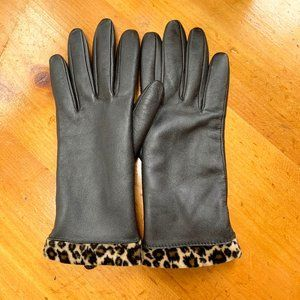 Faux leather gloves with cheetah detail